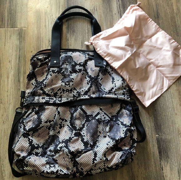 59aa7e5edc lululemon athletica Bags | Lulu Lemon Twice As Nice Bag | Poshmark
